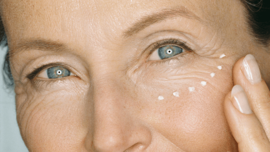 14 Pro Makeup Tips for Older Women from Professionals