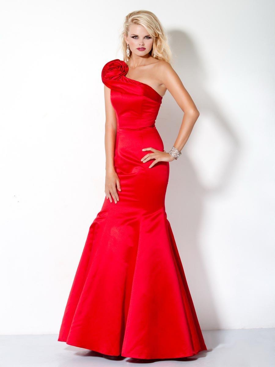 Elegante vestido rojo para la función nocturna