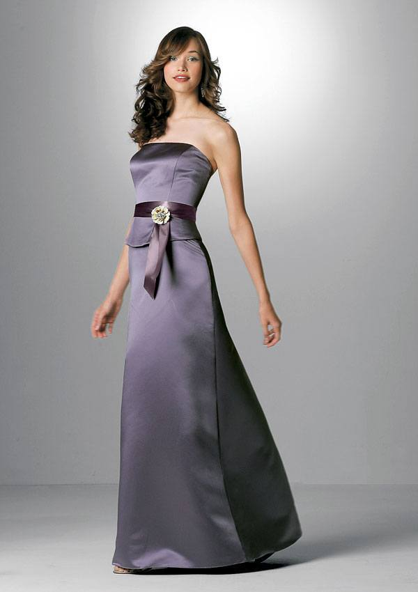 vestido sin tirantes morado de moda